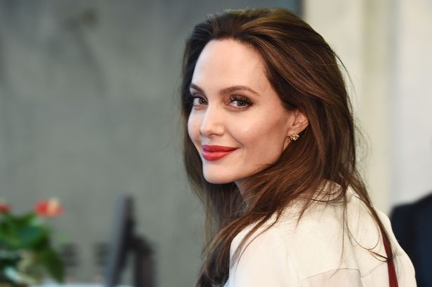 Judge Orders EVIL Angelina Jolie to Repair Relationship Between Brad and Children! image