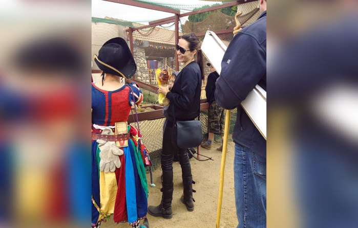 Angelina Jolie Looking MISERABLE On Outing With Kids! image