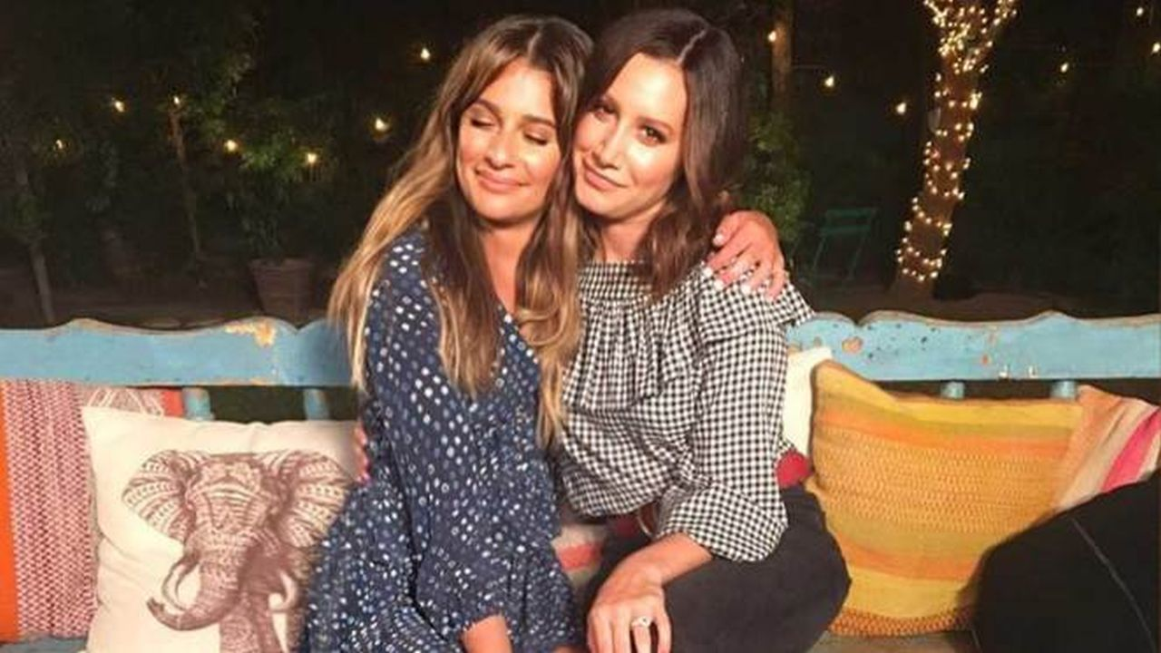 Ashley Tisdale and Lea Michele Sing'DANCING ON MY OWN'
