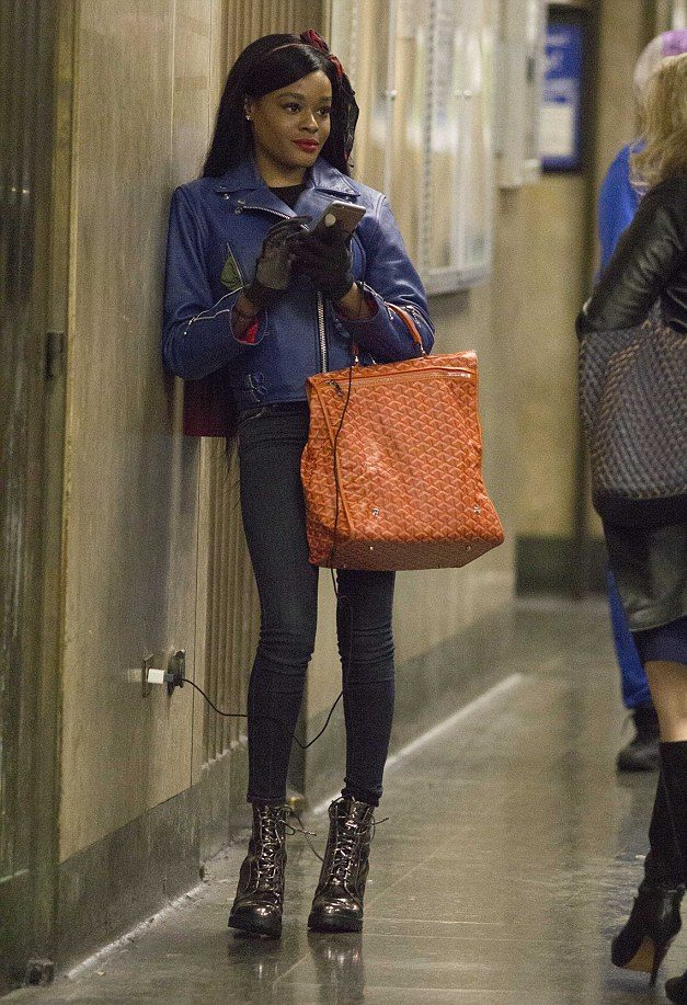 THE BIG BEAT: Azealia Banks Curses Out Photographers After Court Appearance
