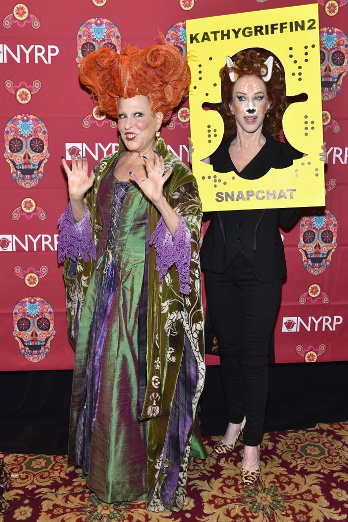 HOCUS POCUS! Bette Midler Dresses Up as Legendary Winifred