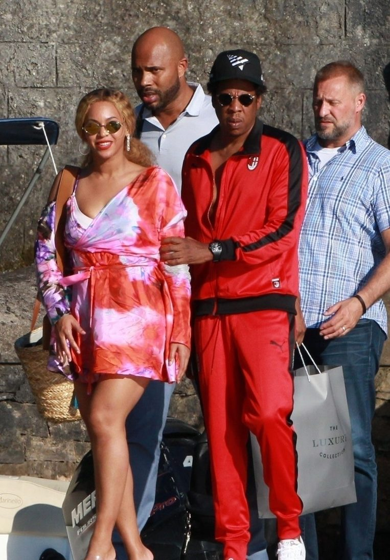 Jay-Z and Beyoncé VACATION IN ITALY! image