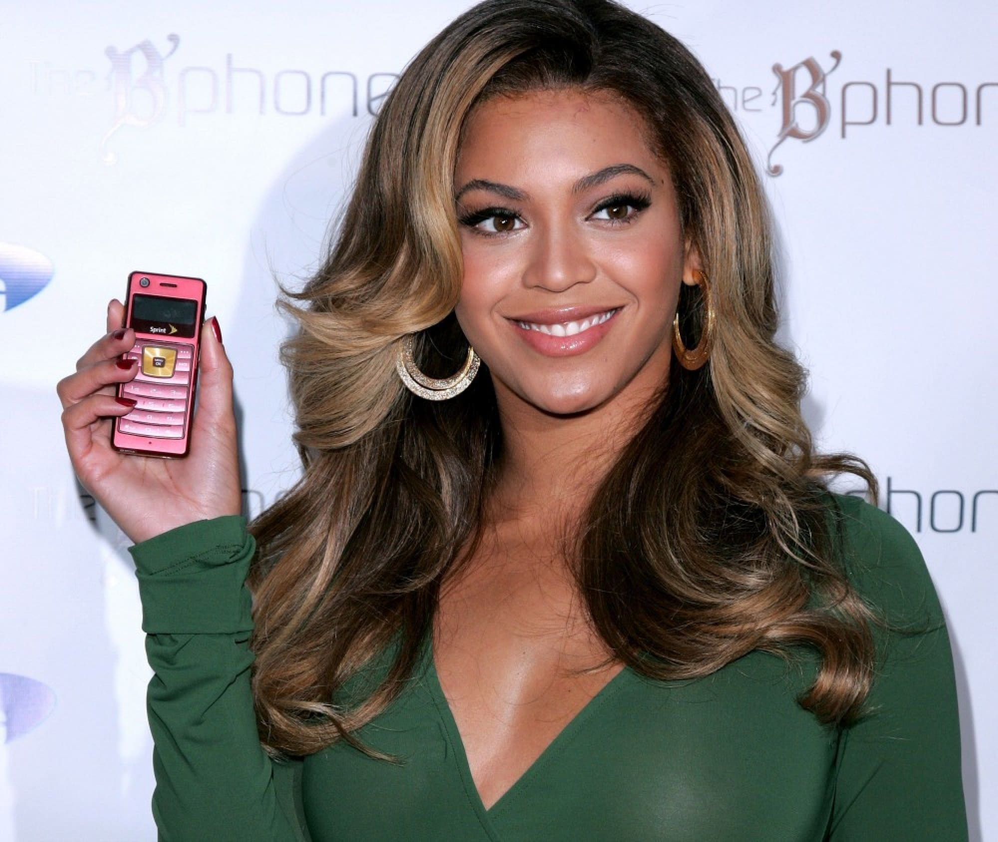 Beyoncé Invests $150,000 In New App SIDESTEP image