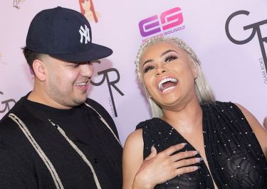Rob Kardashian Is Not in a Good Place, Blac Chyna Forcing Him to Film!