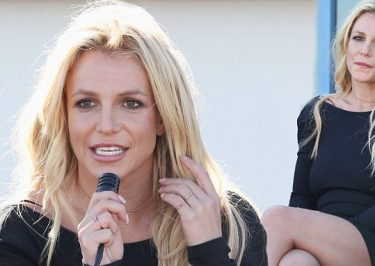 BRITNEY SPEARS Opens Children's Cancer Foundation in Las Vegas