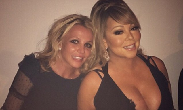 IT'S SHOWTIME! BRITNEY SPEARS Hangs Out With Mariah Carey @ a Dinner Party