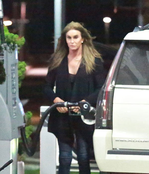 """Caitlyn Jenner MELTS DOWN at a Gas Station!""""Are You Fu**ing DONE?"""""""