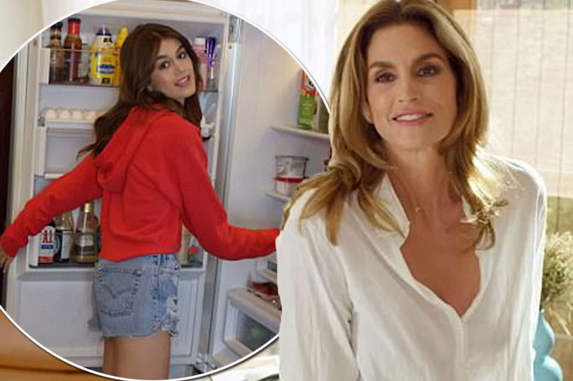 Cindy Crawford Plays '73 Questions With Vogue' in MALIBU! image