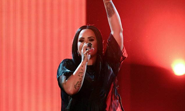 Demi Lovato Was Surrounded by Drug Addicts Before Overdose! image