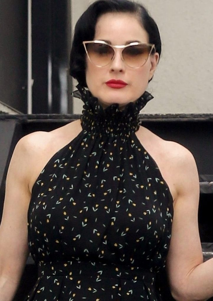 Dita Von Teese Shops for Furniture! image
