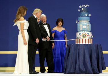 Donald Trump Inauguration Cake IDENTICAL To Obama's Inauguration Cake From 2013