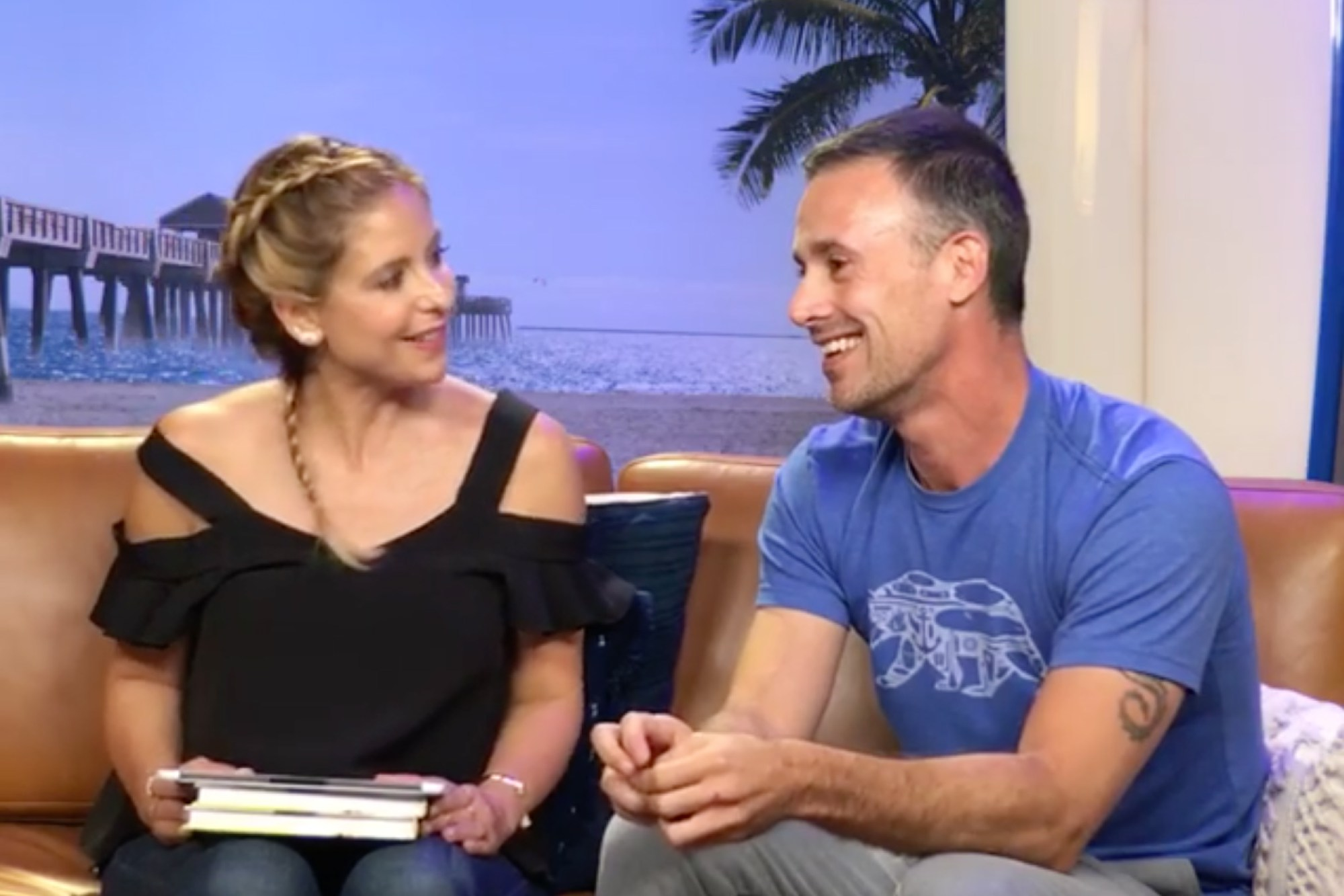 Freddie Prinze Jr. Talks About First Date With Sarah Michelle Gellar image