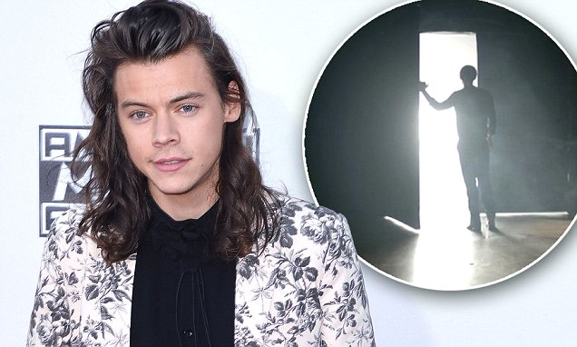 Harry Styles Releasing New Music in APRIL! Watch His TV Ad... image