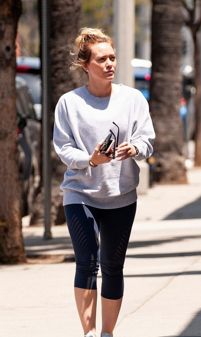 BOOKWORM: Hilary Duff Shops For BOOKS In Los Angeles! image