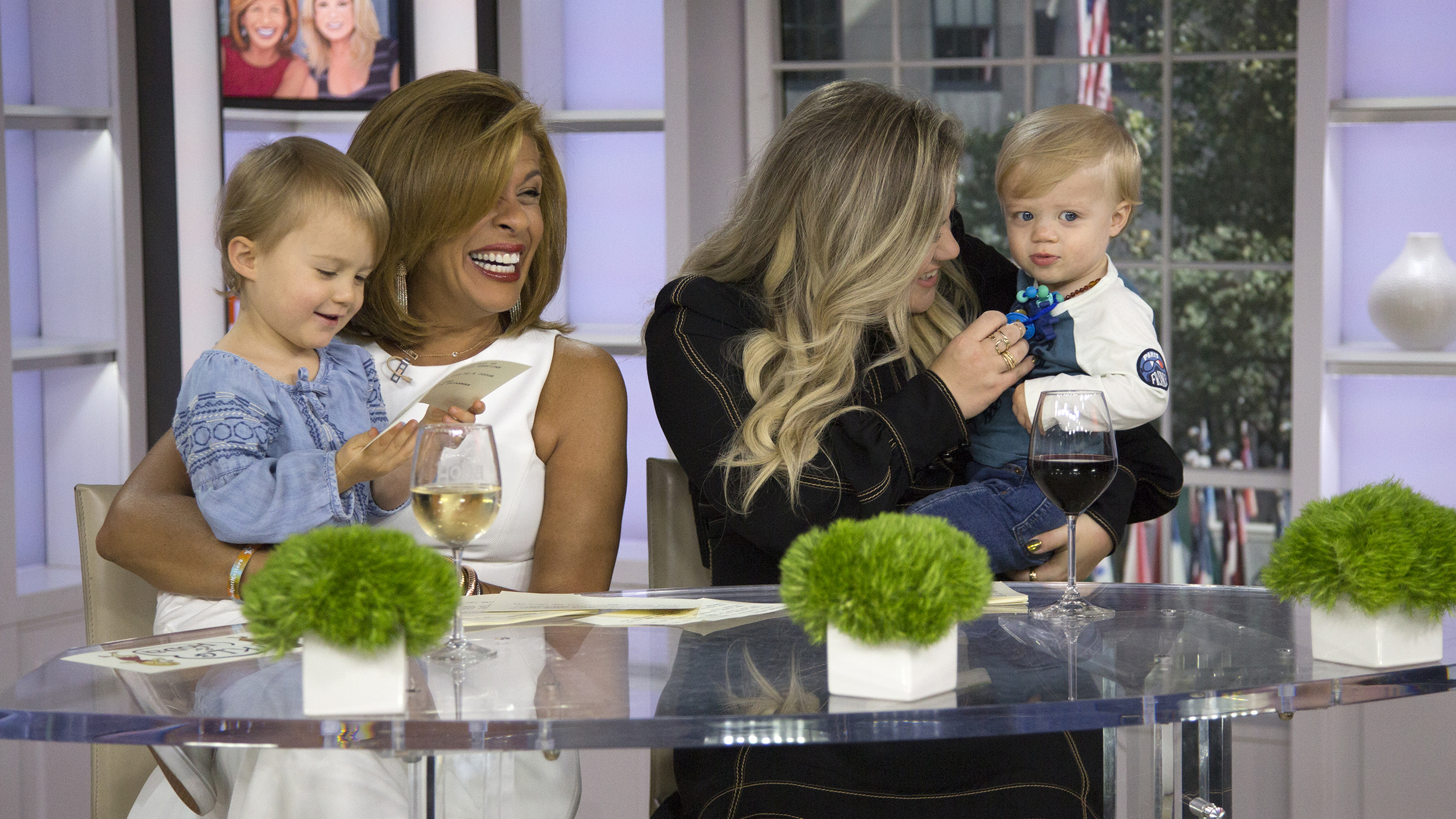KELLY CLARKSON Talks Motherhood With HODA on 'Today' Show image