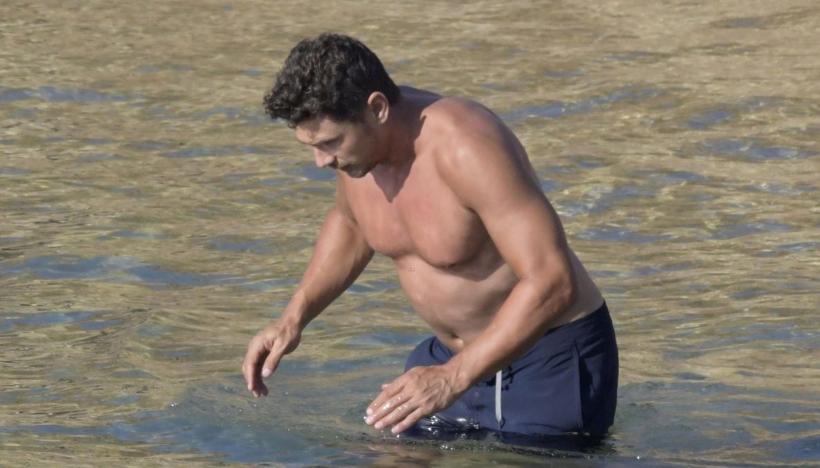 NUDE James Franco Shows Off Beer Belly in Greece! image