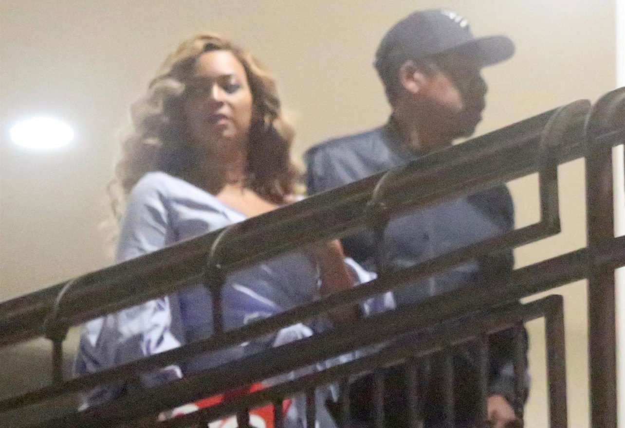 JAY-Z and Beyoncé's Romantic Sushi Date in HOLLYWOOD! image
