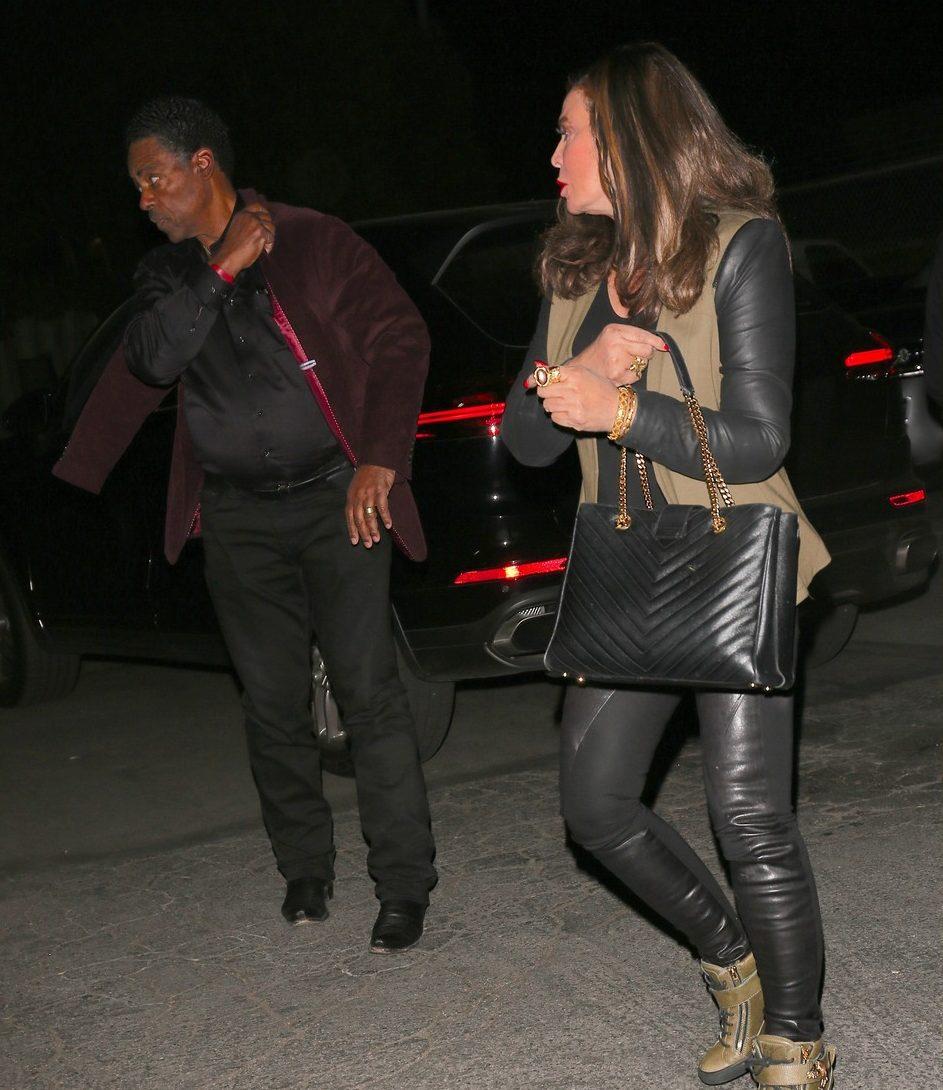 """Jay-Z Celebrates Birthday """"Low-Key"""" With Beyoncé & Kelly Rowland"""