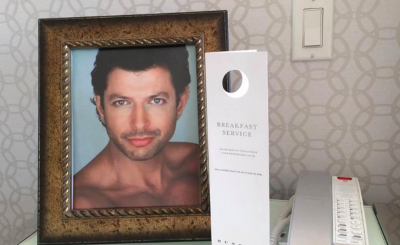 Hotel-Goer Has His Room Decorated With Photos Of Jeff Goldblum, and Gets Charged for The Photo Frames!