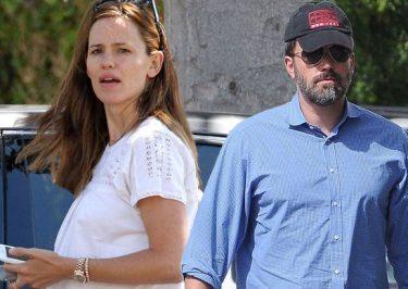 Ben Affleck and Jennifer Garner OFFICIALLY File For Divorce!