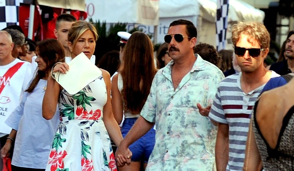 Jennifer Aniston Films 'Murder MYSTERY' in Italy image