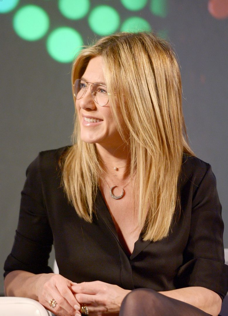 So FUN: Jennifer Aniston Promotes Her OFFICE CHRISTMAS PARTY