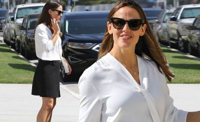 Jennifer Garner Goes to Church ALL ALONE On Sunday!