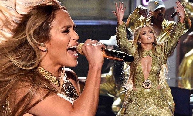 Watch Jennifer Lopez's 10-MINUTE LONG Medley of Hits at VMAs 2018 image