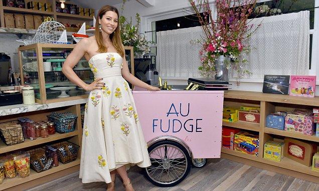 Jessica Biel Closes Her Restaurant AU FUDGE! image