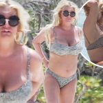 KISS MY BUTT: Jessica Simpson Shows Off Body in NUDE Photo image