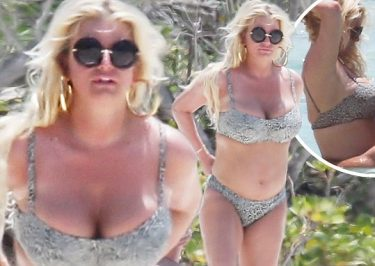 Jessica Simpson Goes NUDE in the Bahamas!