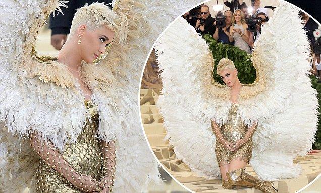 'Dark Angel' Katy Perry ALMOST MISSED The Met Gala! image