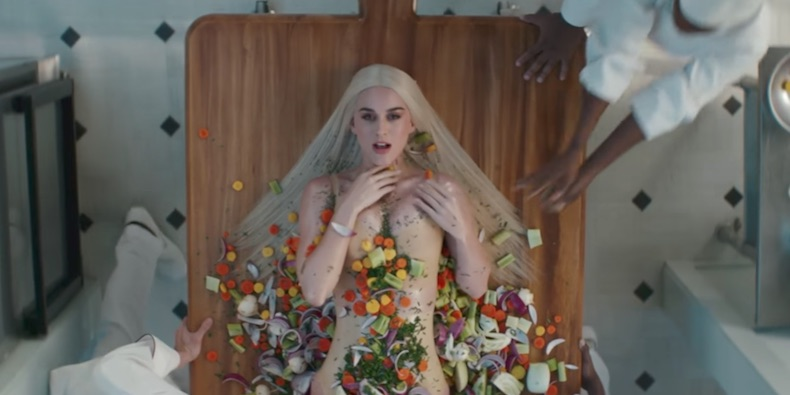 Katy Perry Gets COOKED NAKED in'Bon Appetit' Music Video