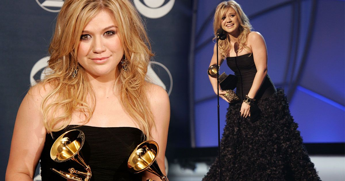 Kelly Clarkson Slams iHeartRadio For NOT Playing Her Music! image