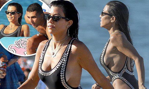 Kourtney Kardashian Goes NUDE With Boyfriend Younes Bendjima in St. Tropez! image