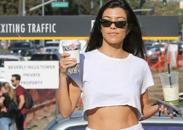 Kourtney Kardashian Shows Off TONED Abs While Running for Tea!