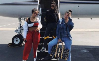 Kylie and Kourtney Kardashian Ride a PRIVATE PLANE to Coachella!
