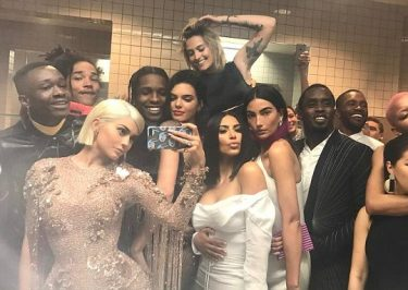 Kylie Jenner EPIC MET Gala Bathroom Selfie With Tons of Celebs!
