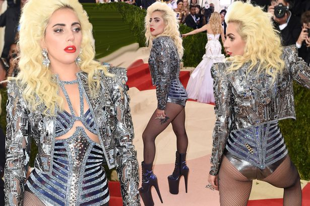 POKER FACE: Lady Gaga Shows Support For Kanye West! image