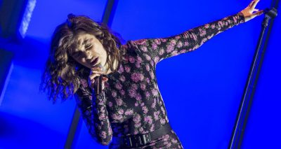 LORDE Brings Back Her Glass Box For Glastonbury Performance