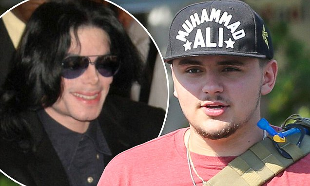 Prince Jackson grabs a bite with his buddies at Mauro's Cafe