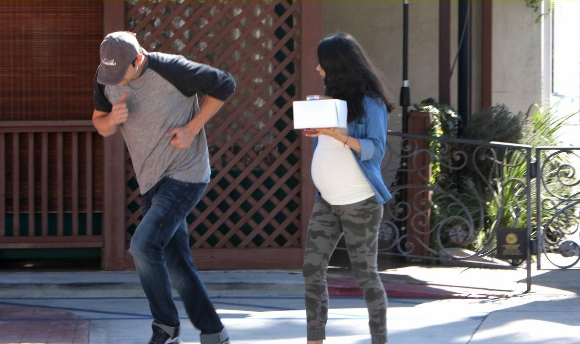 Pregnant Binge: Expectant Mila Kunis Plans to Overdose on Huge Amounts of Candy image