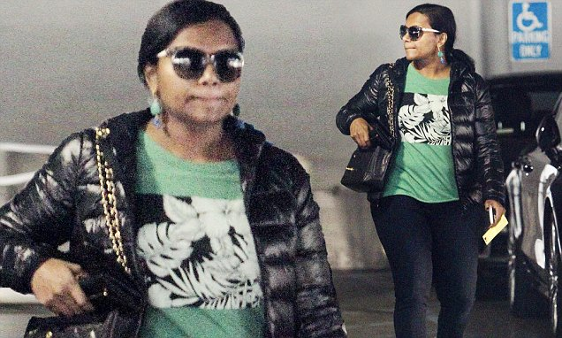 #MARRIAGE: Mindy Kaling to Officiate a WEDDING! image