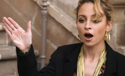 Nicole Richie's Sunglasses Get SMACKED OFF During Interview!