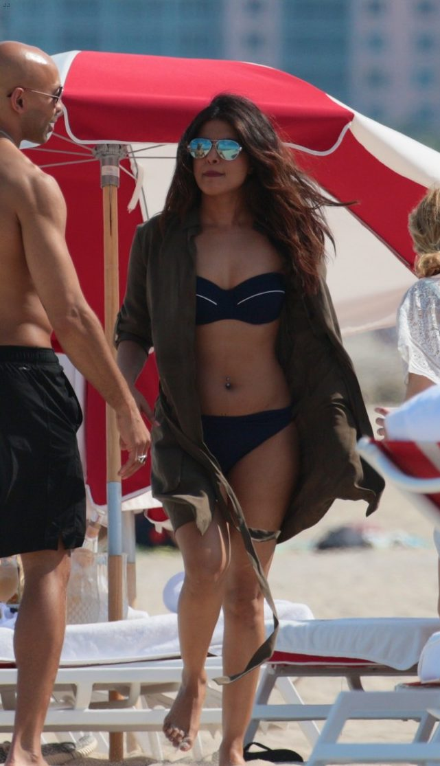 Adriana Lima & Priyanka Chopra: NUDE in Bikinis on a Miami Beach! image