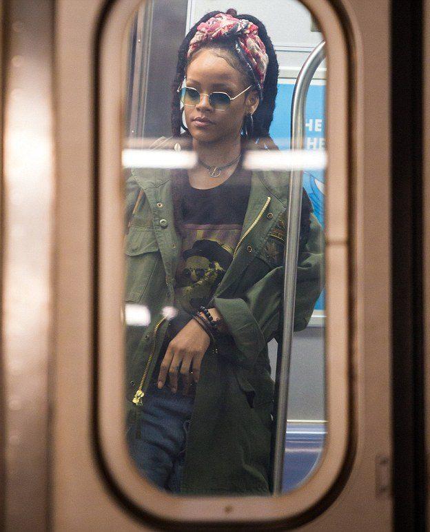 Rihanna, Mindy Kaling, and Sandra Bullock Film 'OCEAN EIGHT' Scenes on NY Subway!