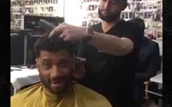 """Russell Williams BLASTS Donald Trump While Getting a Haircut! """"HE WON'T LAST 4 YEARS!"""""""
