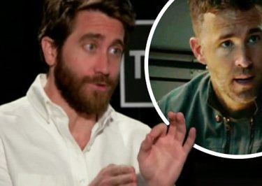 Jake Gyllenhaal x Ryan Reynolds KISS and Answer Google Autocomplete Questions!