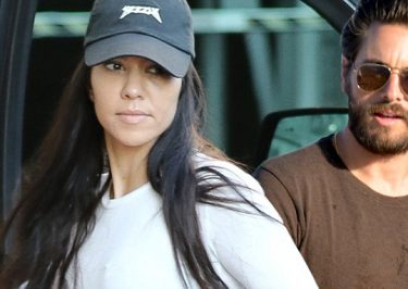 Kourtney Kardashian Turns Down Stupid Scott Disick's Marriage Proposal!