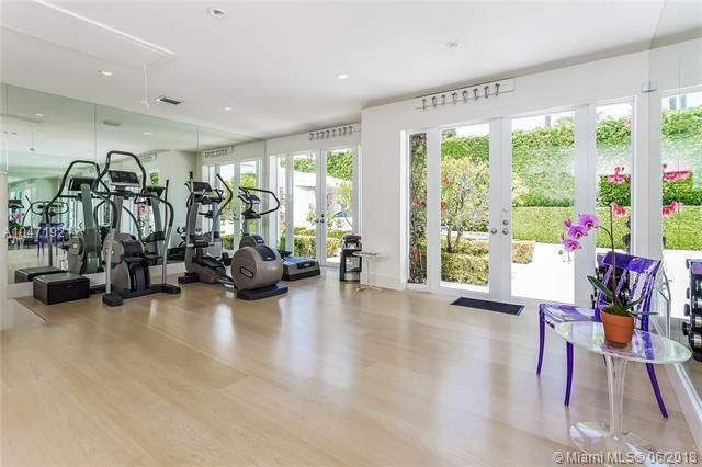 """WHENEVER, WHEREVER"" : SHAKIRA Puts Up Her House FOR SALE! See Inside... image"